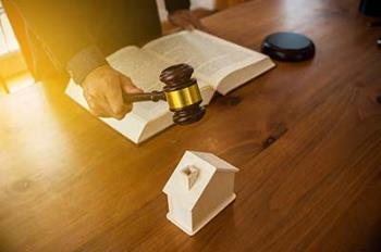 commercial lawyer Sunshine Coast using gavel on table
